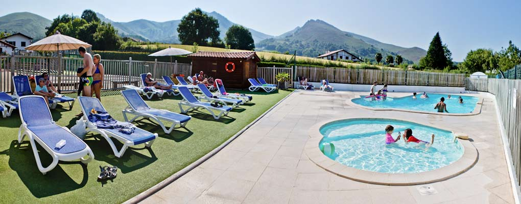 Camping sare pays basque gite de france 64 location for Camping de france avec piscine