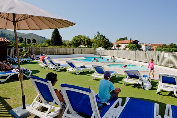 Photos camping la petite rh ne for Camping avec piscine pays basque
